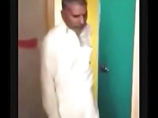pakistani aunty fucked by two old man