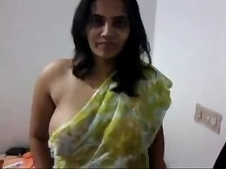 indian desi aunty boobs and pussy